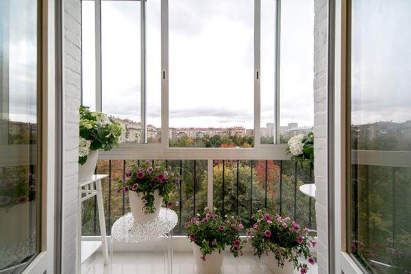 Дизайн окна лоджии.